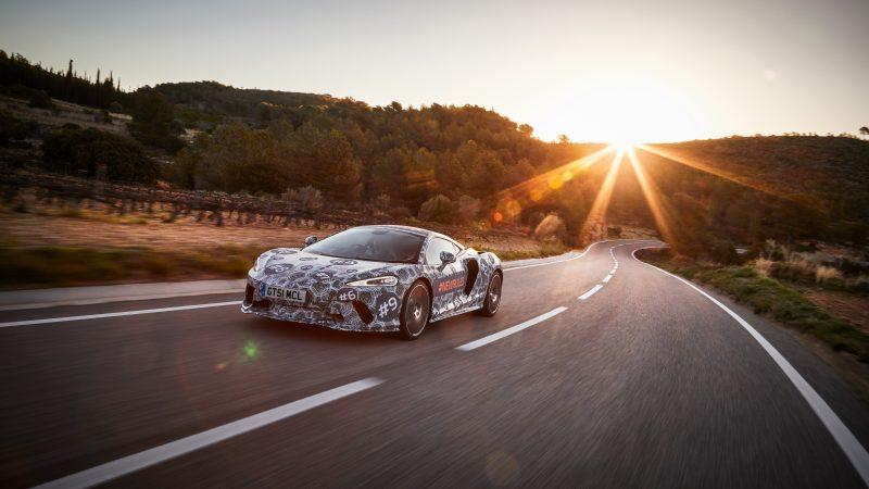 McLaren 'Grand Tourer' laat zich zien