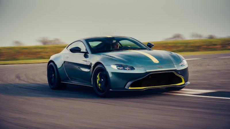 Aston Martin Vantage nu ook met handbak in deze AMR-uitvoering