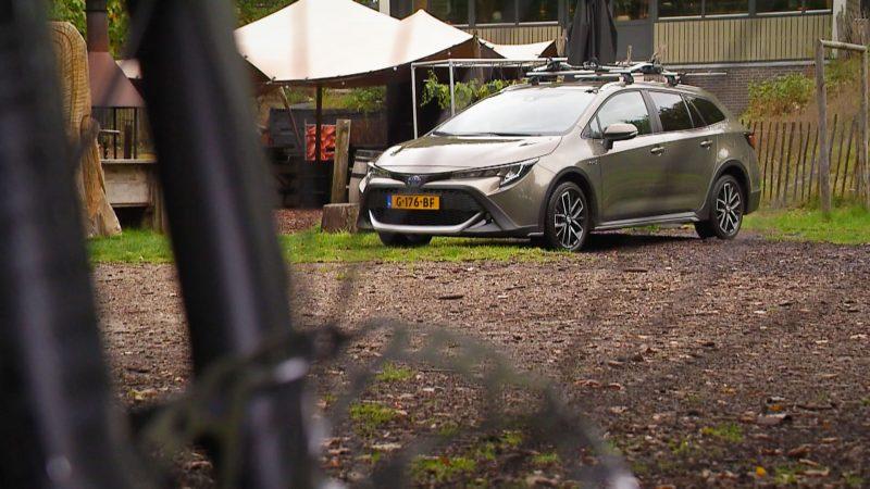Eropuit met de avontuurlijke Toyota Corolla TREK Hybrid