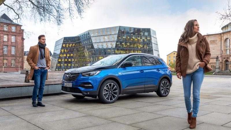 Topmodel Opels SUV-familie: de nieuwe Opel Grandland X Hybrid4
