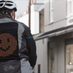 Emoji Jas: goed idee bij het delen van de weg