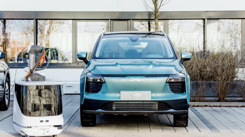 AIWAYS heeft patenten ontvangen voor oplossing voor autonoom opladen van elektrische voertuigen