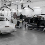 Legendarische 'James Bond' Aston Martin DB5 rolt na 55 jaar opnieuw van de band