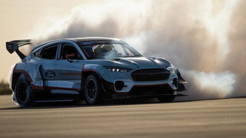 Ford bouwt 1.419pk sterke Mustang Mach-E met zeven elektromotoren!