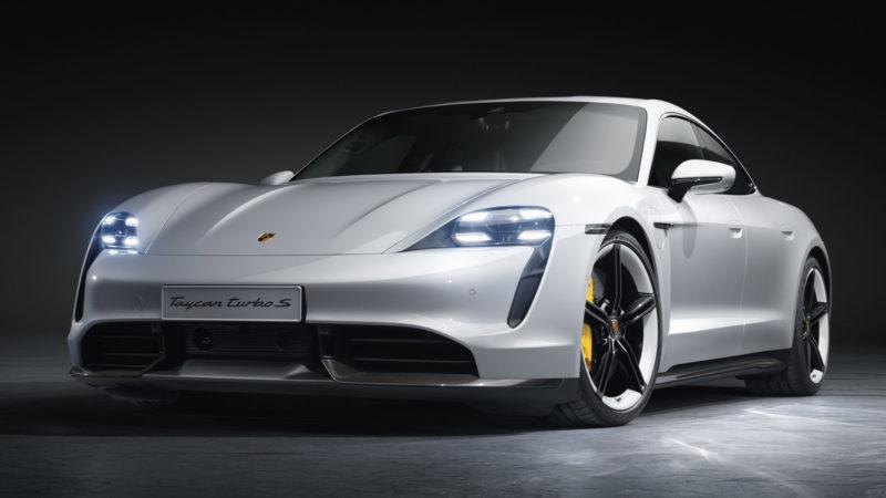 Porsche Taycan laadt en accelereert nu nog sneller